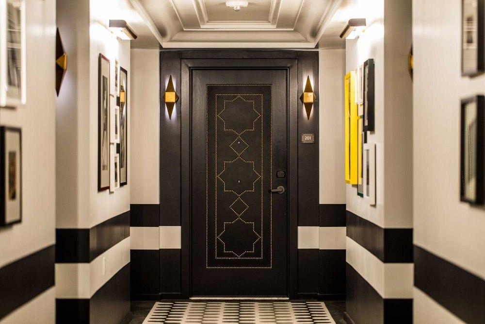 Черна модерна интериорна врата
